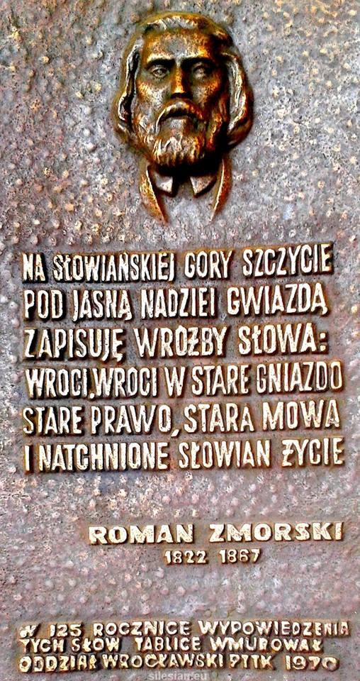 Foto pomnika na słowiańskiej górze wrócil dawne prawo
